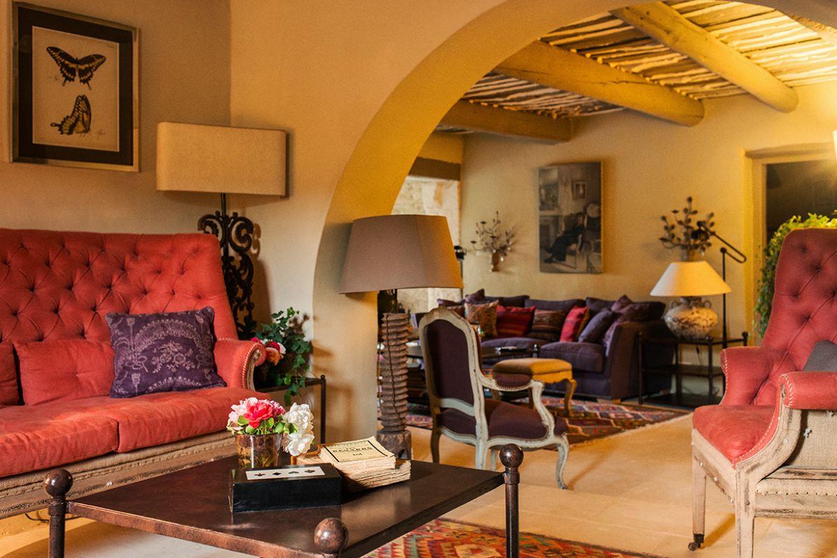 Villa grenache maison de luxe louer avec services for Salle a manger provencale