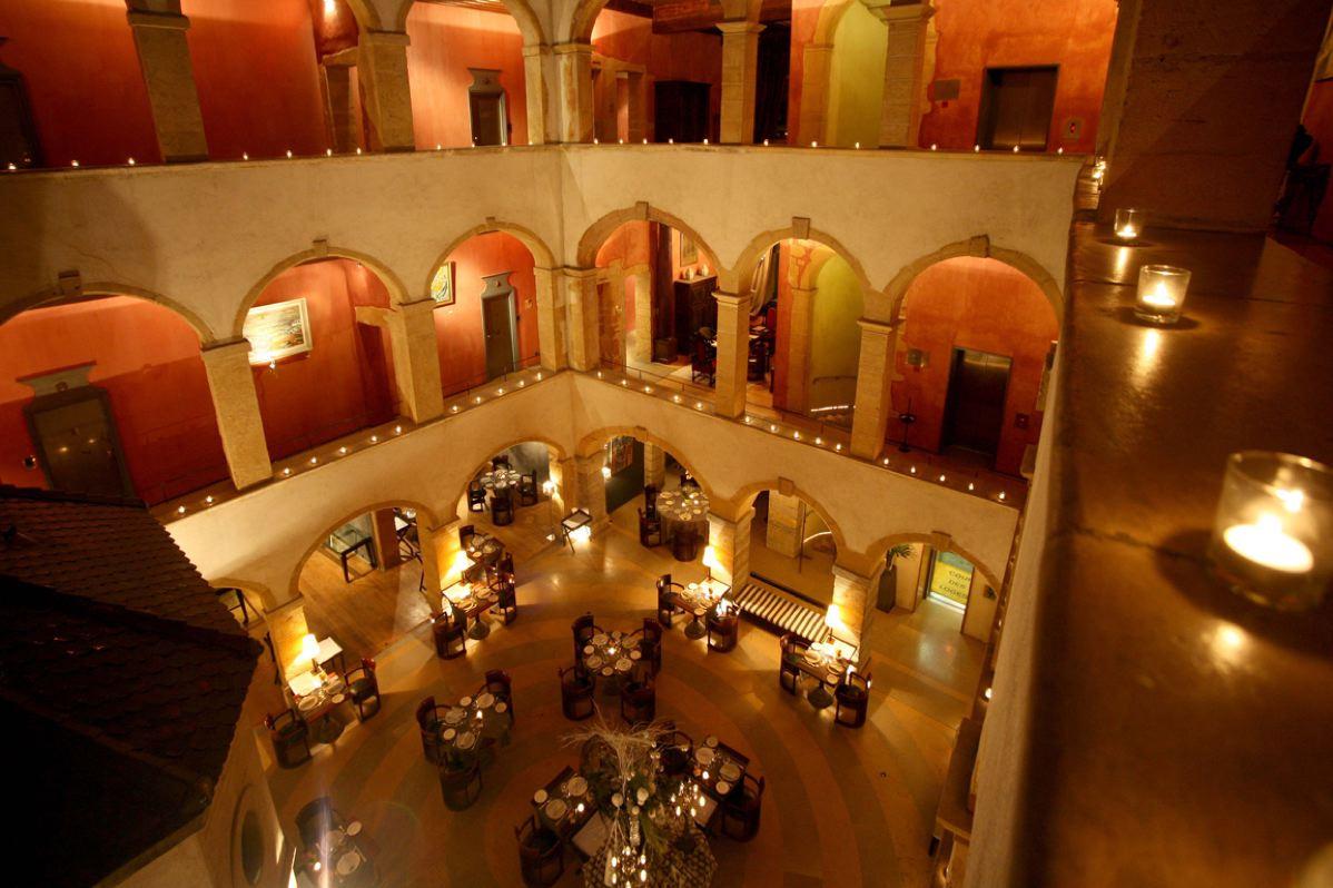 Lyon Hotel De Luxe