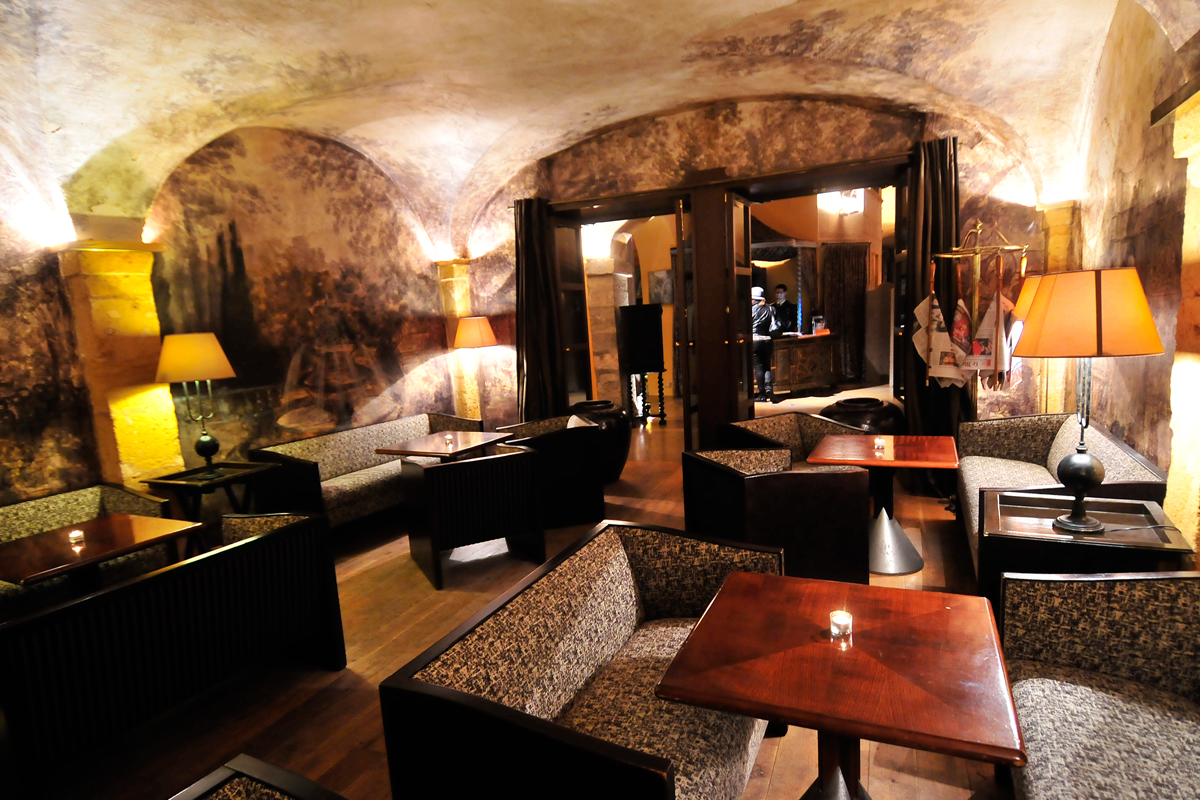 bar and cigar room l cour des loges l 5 star hotel in lyon. Black Bedroom Furniture Sets. Home Design Ideas