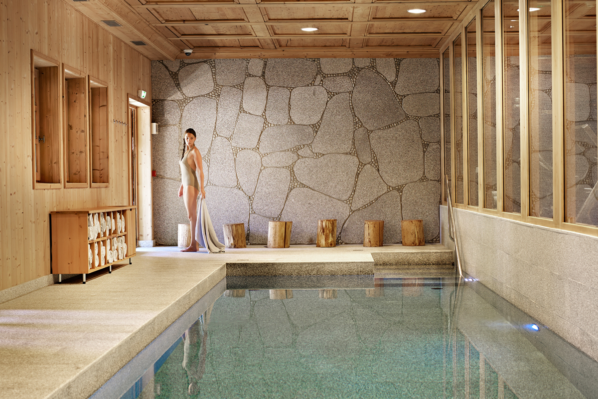 Piscine interieure dans une grange gite normandie piscine nouveau hotel avec piscine interieure - Gite bourgogne piscine interieure ...