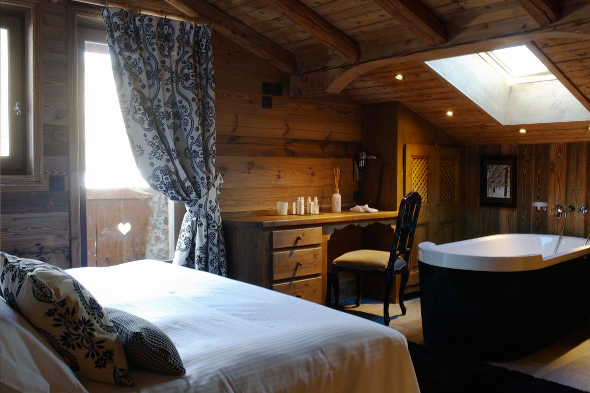 Les fermes de marie chambres suites et chalets hotel for Hotel paris chambre 5 personnes
